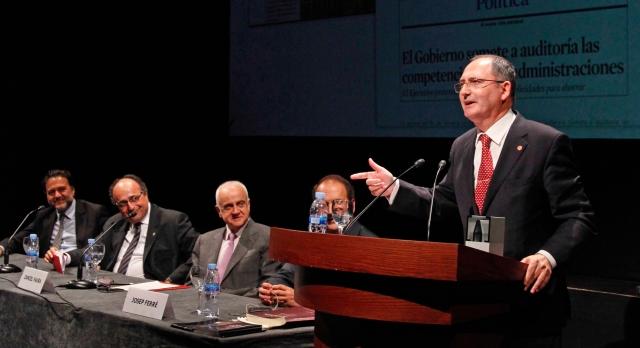 Recogiendo el premio para el blog en Censors 2012
