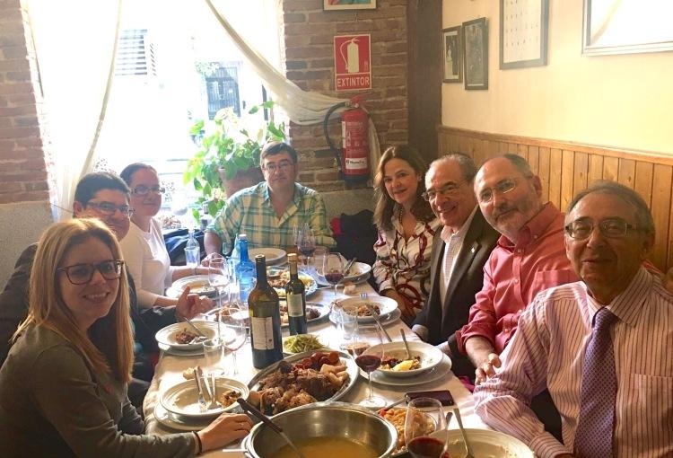 En otros congresos, lo mejor puede estar antes. Este cocido madrileño, con los colegas americanos que visitaron el VII CNASP2016.