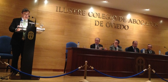 Jesus Bernal en Real Academia Asturiana de jurisprudencia