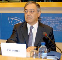 Vitor caldeira, presidente del TCu de Portugal